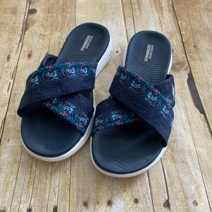 Sketchers Gogamax denim sandals slides 8